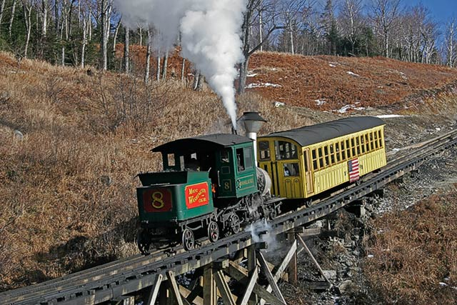 IMAGE: http://www.itsanadventure.com/postimages/Train_54384.jpg